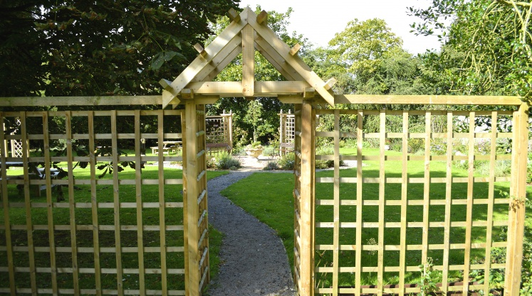 Arbour and trellis timber screen